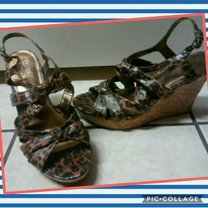 Leapord wedges
